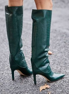 20 Cult Pieces We Saw All Over the Streets of Fashion Week - 20 Cult Pieces We Saw All Over the Streets of Fashion Week - forest green snakeskin boots Snakeskin Boots, Leather Shoes, Buy Shoes, Me Too Shoes, Women's Shoes, Nike Shoes, Aldo Shoes, Shoes Sneakers, Look Fashion