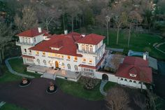 A $39 million NJ mansion just sold for a measly $4.6 million Grand Entryway, Grand Entrance, Double Staircase, Mediterranean Style Homes, Relaxation Room, High Walls, Expensive Houses, Entrance Gates, New York Post