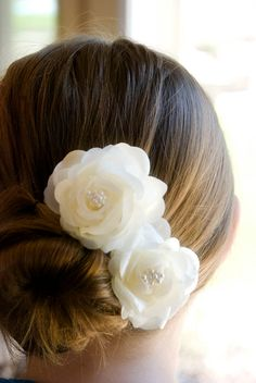 Ivory Wedding Hair Flowers clips Bridal Hair by KrumpetsWeddings, $26.50