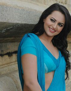 Sonakshi Sinha is one of the most beautiful, bold and talented actresses of our time. Sonakshi made her debut with a bit heavy body an. Bollywood Actress Hot, Beautiful Bollywood Actress, Most Beautiful Indian Actress, Actress Priyanka, Bollywood Actors, Sonakshi Sinha, Deepika Padukone, Shraddha Kapoor, Beauty Full Girl