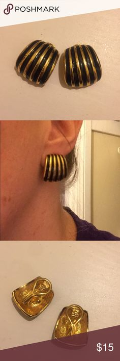 🆕 Vintage Black & Gold Clip On Earrings Vintage Black & Gold Clip On Earrings. Barely been worn, in great condition! Jewelry Earrings