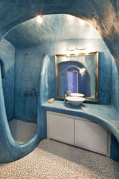 Tadelakt bathroom! Love the color, the texture