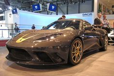 Lotus coats Evora GTE in carbon fiber for F1 Edition. whooooooohoooo!!