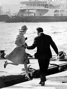 Queen Elizabeth II jumps ashore from a barge after disembarking from the Royal Yacht 'Brittania' during a State Visit to Turkey, October Royal Life, Royal House, Prinz Philip, Royal Queen, Isabel Ii, Her Majesty The Queen, Queen Of England, Queen Mother, Royal Families