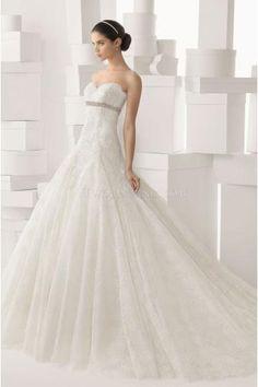 Unique Sweetheart with Applique Wedding Dresses Chapel Train Bridal Dress