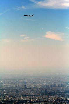 airplane over paris. #paris #airplanes