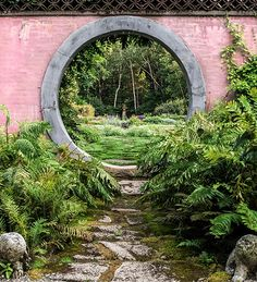 An Intimate Look at the Rockefeller Dynasty's Luscious Gardens — 1stdibs Introspective