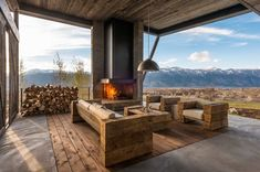 This modern 5,400 square foot retreat designed in 2011 by Pearson #Design Group is situated in Jackson Hole, Wyoming.