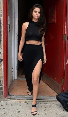 Street style look Selena Gomez Selena Gomez 2019, Estilo Selena Gomez, Selena Gomez Outfits, Selena Gomez Pictures, Selena Gomez Style, Selena Selena, Party Crop Tops, Look Street Style, Street Styles