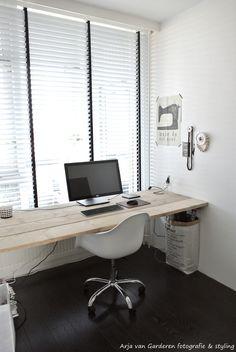Ben zo gek op ons kantoortje!  Heerlijk om je even terug te kunnen trekken om foto's te bewerken, blogs te schrijven en/of inspiratie op ...