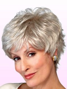 Short Hairstyles for Older Women Above 40 and 50