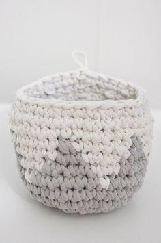 free T-shirt yarn basket pattern