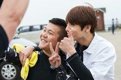 [PHOTO] 160731 | Charles Ok, photographe pour SBS, a posté une photo de Jungkook pendant Flower Crew, sur IG !