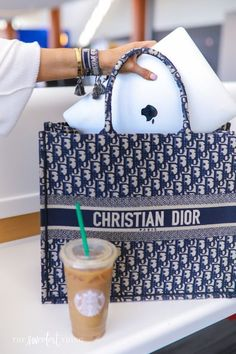 The Sweetest Thing Blog, Christian Dior Bags, Cristian Dior, Sacs Design, Cute Bags, Girls Be Like, Luxury Bags, Louis Vuitton, What I Wore