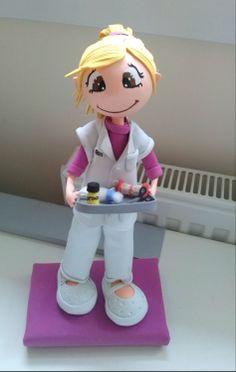 Todo lo que necesitas para tus fofuchas está en mitiendadearte.com Fofucha enfermera http://fofuchasnuki.blogspot.es/