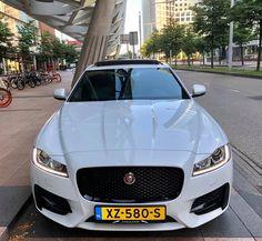 Bezoek onze website: www.trouw-auto-huren.nl