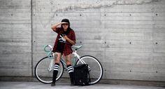 Gisela Ochoa afuera de la sede del Bicycle Film Festival 2015