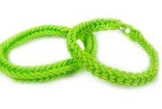 Inverted Fish Tail Bracelet #kids #crafts #stretchband #loopband #loombracelet
