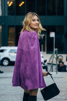 Camille Rowe between the style exhibits. The publish New York FW 2019 Street Style: Camille Rowe appeared first on STYLE DU MONDE Stylish Street Style, Street Style 2016, Cool Street Fashion, Street Chic, Outfits Otoño, Fashion Outfits, Fashion Trends, Winter Outfits, Camille Rowe Style