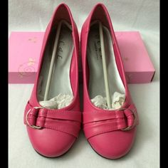 Fuchsia flats. Adorable fuchsia flats. Very girly and sassy. A small scuff is shown in picture number 4. New never worn. Come in a box Shoes Flats & Loafers