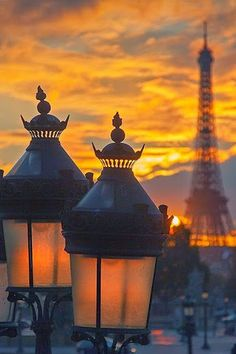 Paris,France with two close-up streetlamps with the Eiffel Tower in the backgrounf Beautiful Paris, I Love Paris, Beautiful World, Torre Eiffel Paris, Paris Eiffel Tower, Paris Amor, Belle Villa, Paris City, Paris Street