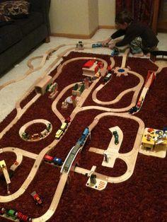 Wooden Train Track layout - Thomas & Friends/PlanCity/Melissa & Doug