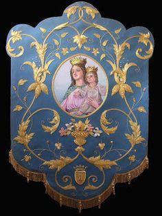 Estandarte bordado en oro sobre seda natural color azul cielo para la Hermandad de Maria Auxiliadora de la localidad de Marbella (Málaga) es...