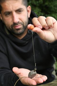The resistance of an inline lead is quickly engaged once the wafter is sucked in Fishing Line Knots, Bass Fishing Rods, Crappie Fishing Tips, Carp Fishing Bait, Fishing Rigs, Saltwater Fishing, Best Fishing, Sea Angling, Carp Rigs