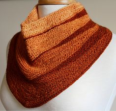 Thorne - Cute short-row cowl to use up left-overs.
