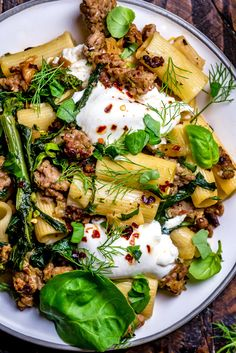 This One Pot Lemony Pasta with Sausage, Broccoli Rabe, & Burrata is absolutely loaded with bright and comforting flavors, and takes just 40 minutes to make Veggie Recipes, Pasta Recipes, Vegetarian Recipes, Dinner Recipes, Cooking Recipes, Healthy Recipes, Pasta Dishes, Food Dishes, Burrata Recipe