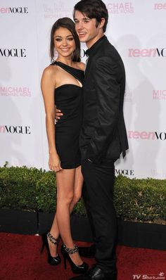 Sarah Hyland and her boyfriend Matt.. They are so  so so so cute together;)