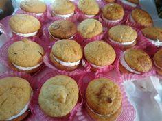 Μακαρόν ! Sweet And Salty, Cake Cookies, Cake Pops, Macarons, Deserts, Muffin, Food And Drink, Dessert Recipes, Favorite Recipes