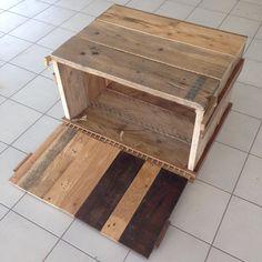 Pallet houten kastje voor stereo en digitale apparatuur. Met touw als scharnier en opening aan achterkant voor kabels en stekkerdozen. Rope hinge