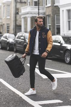 A round up of posts from our other sites BlazePress and Linxspiration. You can check out the previous post here – Random Inspiration Want some exclusive Mens Fashion 2018, Mens Fashion Suits, Men's Fashion, Winter Outfits, Winter Clothes, Friday Outfit, Dressing, Blazer Fashion, Streetwear Fashion