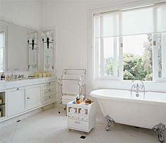 banheiro com banheira - Google Search