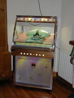 Fabulous fifties Rock-Ola jukebox