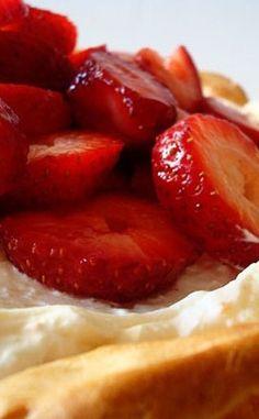 Strawberry Cream Puff Cake | Mel's Kitchen Cafe