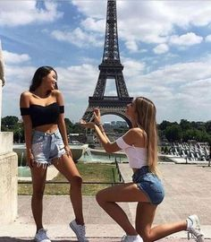 Photography poses for friends bff girls Ideas for 2019 Photos Bff, Friend Photos, Best Friend Poses, Best Friend Goals Teen, Best Freinds, Best Friend Photography, Cute Friend Pictures, Cute Lesbian Couples, Photography Poses