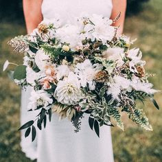 """FABLOOMOSITY Floral Atelier🌿 on Instagram: """"Who says white has to be boring? 🌿"""" White Bouquets, Floral Wreath, Wreaths, Table Decorations, Instagram, Home Decor, Atelier, Homemade Home Decor, Door Wreaths"""
