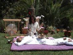 +++++La Terapia del Sonido: Masaje con Cuencos Tibetanos / Klangschalenmassage