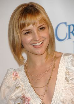 I like these bangs. Similar to ones in the past. Not too long