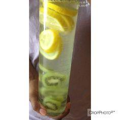 Lemon +Kiwi Detox water