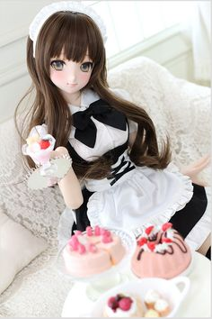 I love the Dollfie Dream line of dolls made by Volks. Kawaii Doll, Kawaii Anime, Anime Dolls, Blythe Dolls, Pretty Dolls, Beautiful Dolls, Anime Figurines, Dream Doll, Asian Doll