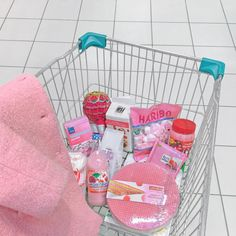 pink, food, and kawaii 이미지 Korean Aesthetic, Aesthetic Images, Aesthetic Food, Pink Aesthetic, Budget Courses, Pink Foods, Japanese Snacks, Japanese Candy, Everything Pink