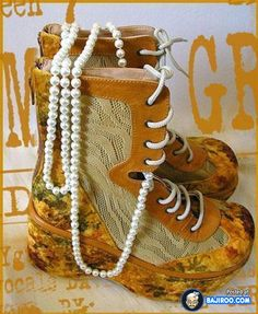 I don't care how much those pearls are worth..........those boots are still ugly!