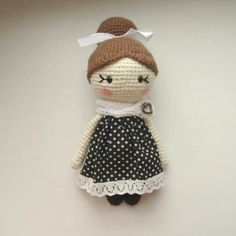 Amigurumi little lady doll crochet pattern free