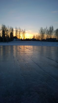 15.1.2014 Ice skating park and sunset in Helsinki Copyright © Virva Lehto 2014