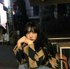 Find images and videos about asian and ulzzang girl on We Heart It - the app to get lost in what you love. Aesthetic People, Aesthetic Girl, Cut Pic, Ulzzang Korean Girl, Uzzlang Girl, Cute Poses, Cute Korean, Tumblr Girls, Pretty People