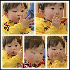 Daehan | The Return of Superman Superman Cast, Superman Kids, Cute Kids, Cute Babies, Song Il Gook, Triplet Babies, Song Triplets, Song Daehan, Miss You Guys