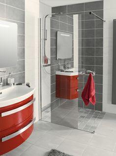 salle de bain paroi de douche miroir, meuble de salle de bain rouge